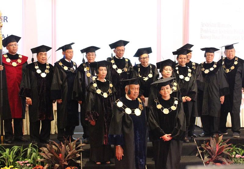 Pengukuhan Guru Besar UPI Y.A.I