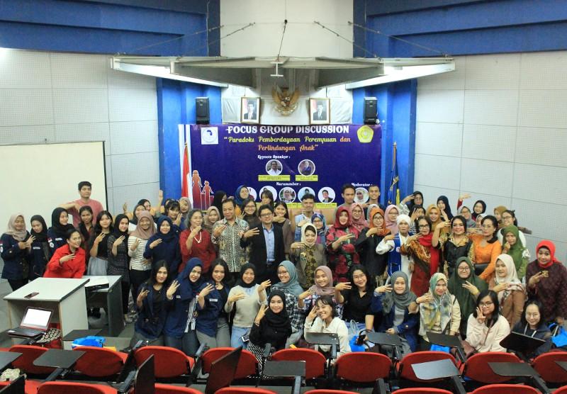 Focus Group Discussion - Paradoks Pemberdayaan Perempuan dan Perlindungan Anak oleh IWAPI