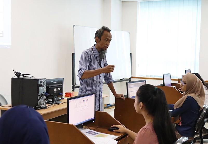 Penyusunan Laporan Keuangan Bisnis dengan MYOB
