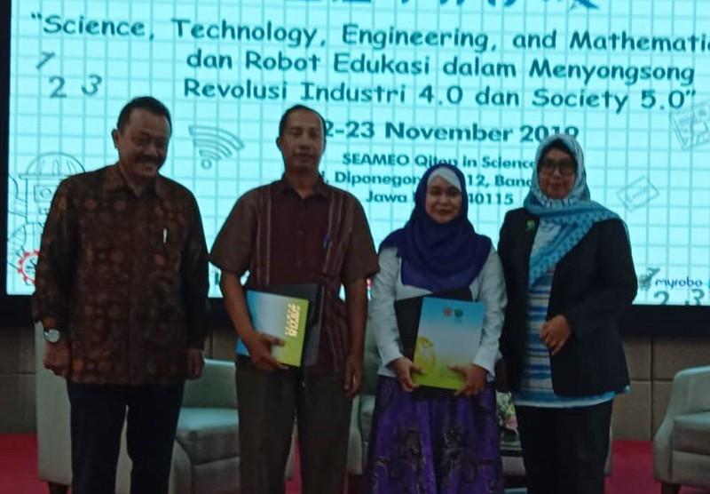 "Seminar ""Science, Technology, Engineering, and Mathematic dan Robot Edukasi"