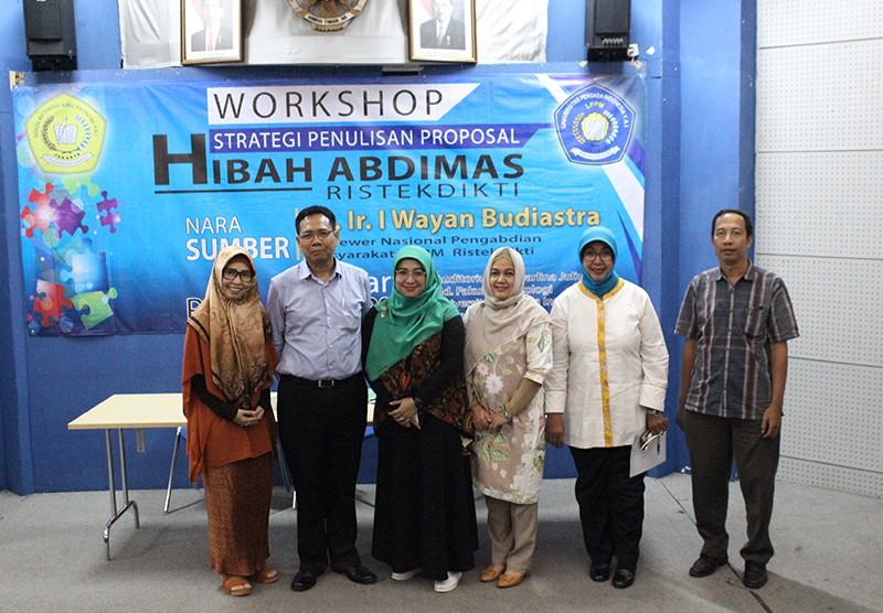 Workshop Nasional Strategi Penulisan Proposal Hibah Pengabdian Ristekdikti